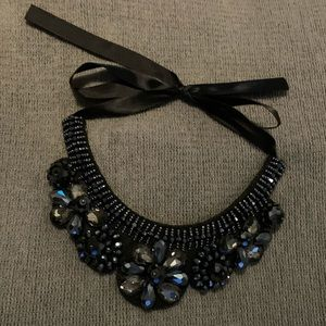 Jewelry - BNWOT statement bib necklace